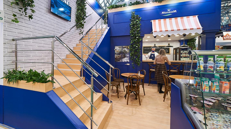 Уютное кафе в дизайне стенда для выставки