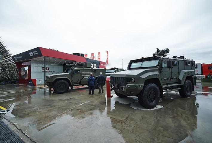 Военная техника в дизайне стенда