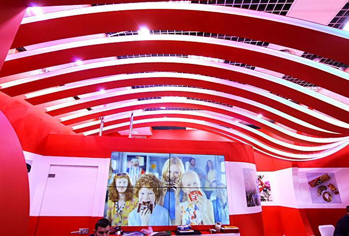 Гнутые элементы стенда для выставки